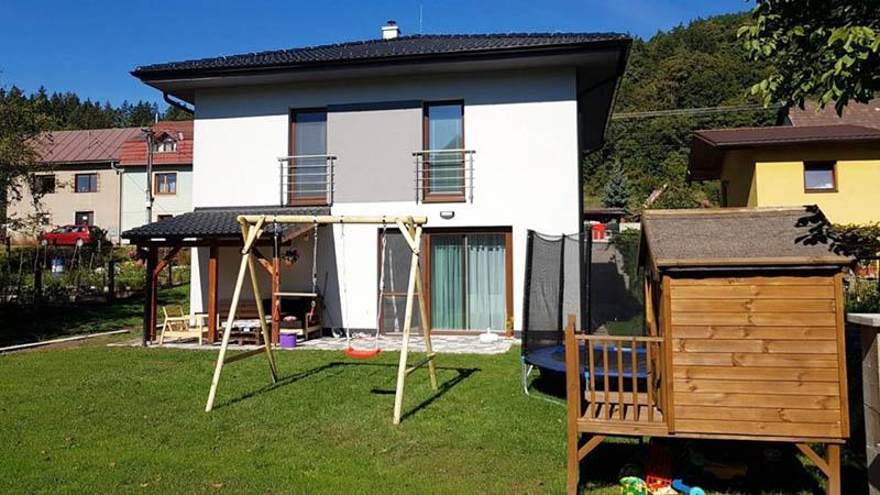 Murovaný rodinný dom na kľúč v obci Šalková