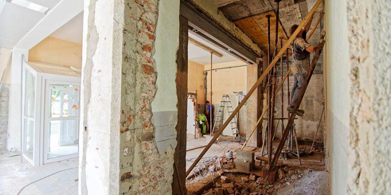 Kompletná rekonštrukcia bytu a domu