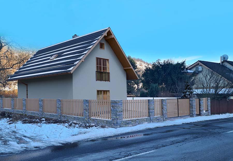 Poschodový dom so sedlovou strechou na predaj | STAVMAXBB